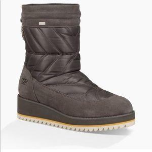 Ugg Beck Boot women's. Grey 9.5